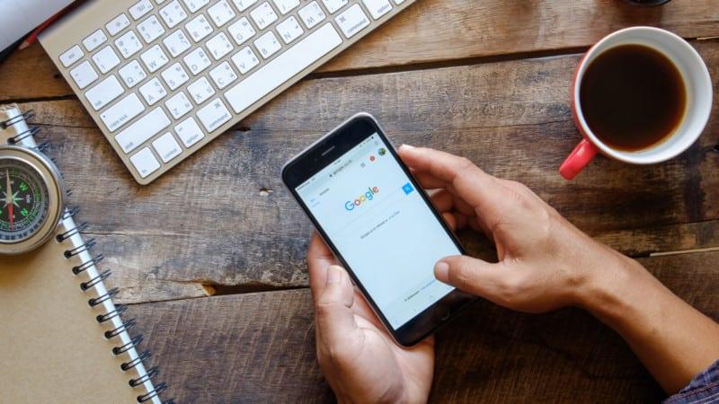 جوجل تحذر اصحاب المواقع الذين موقعهم ليس متوافق مع الموبايل فى نتائج البحث